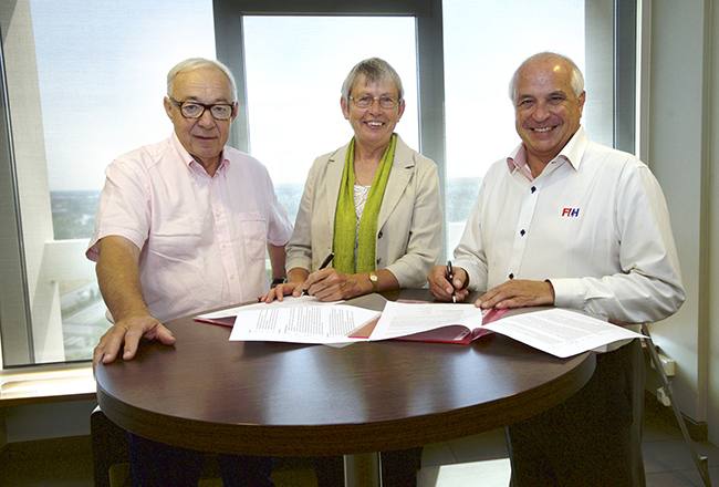 Spain Signs Mou Signs Mou With The Hockey